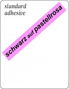 schwarz auf pastellrosa